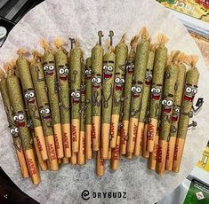 Express Cannabis Delivery provides best weed and cannabis at our online dispensary Cambridge. We offer exclusive everyday deals. Marijuana Art, Marijuana Plants, Medical Marijuana, Cannabis Oil, Cannabis Edibles, Stoner Art, Weed Art, Weed Humor, Stoner Girl