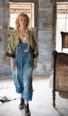 magnolia pearl spring 2018 - All About Magnolia Pearl, 70s Fashion, Fashion Outfits, Womens Fashion, Hippie Fashion, Rave Outfits, Modern Hippie Style, Farm Clothes, Salopette Jeans