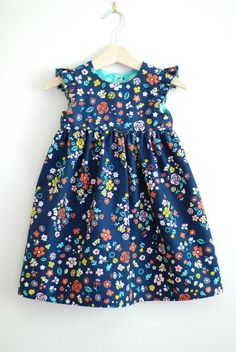 gorgeous little girl dress. follow links for pattern.