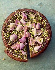 Learn how to make this pear, pistachio and rose cake recipe, an easy gluten-free dessert for which you won't even need a stand mixer, from Nigella Lawson. Pear And Almond Cake, Almond Cakes, Nigella Lawson, Pear Recipes, Cake Recipes, Coffee Recipes, Fruit Recipes, Easy Gluten Free Desserts, Healthy Desserts