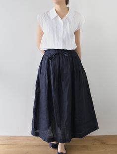 [Envelope Online Shop] Fiore Lisette New Pretty Outfits, Stylish Outfits, Simple Dresses, Casual Dresses, Mature Fashion, Japanese Outfits, Fashion Sewing, Linen Dresses, Online Shopping Clothes