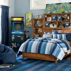 Teenage Room - Playful Teen Boy Bedroom Idea With Country Style Wooden Furniture And Blue Color Sche. - Best Home Decorating Ideas - Easy Interior Design and Decor Tips Teen Bedroom, Modern Bedroom, Bedroom Decor, Bedroom Ideas, Boy Bedrooms, Bedroom Designs, Teen Bedding, Stylish Bedroom, Blue Bedding