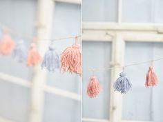 Einfache Anleitung mit Bildern wie ihr eine Tassel-Girlande aus Wolle basteln könnt. Günstig, schnell und einfach sowie perfekt für Partys oder zur Deko.