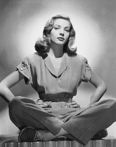 Lauren bacall wearing a fabulous blouse and matching pants with espadrilles, easy and comfortable 1940s womenswear