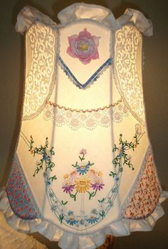 Great idea ~ Lampshade made from doilies!                                                                                                                                                                                 More