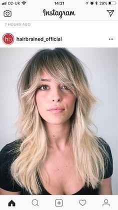 The cut. Hairstyles With Bangs, Pretty Hairstyles, Hair Inspo, Hair Inspiration, New Hair Do, Haircut And Color, Medium Hair Cuts, Hair Dos, Her Hair