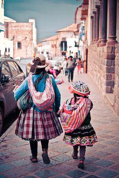 Bolivian Women, Inca Tattoo, Mexico Culture, Equador, Cusco Peru, Argentine, Peru Travel, Amazon Rainforest, Worldwide Travel