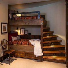 How to make Money in Woodworking at Home Idéias Para Mobília 🏠 Bedroom Diy, Wooden Pallet Projects, Warm Bedroom, Woodworking At Home, Bed, Bunk Bed Designs, Cool Bunk Beds, Bedroom Design, Small Bedroom