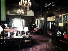 Inside the Salvatore Boarding House. Tuscan Style Homes, French Style Homes, Tuscan Paint Colors, Salvatore Boarding House, Vampire House, Tuscan Design, Mediterranean Home Decor, Tuscan Decorating, Dream Rooms
