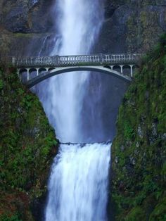 Detail: Multnomah Falls