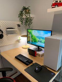 Computer Gaming Room, Computer Desk Setup, Gaming Room Setup, Pc Setup, Computer Workstation, Pc Desk, Bedroom Setup, Room Ideas Bedroom, Mundo Dos Games