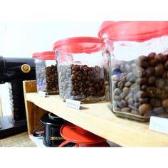 今週はweekenders coffeeさんのお豆 グァテマラが良い感じ  #coffeelover #coffeeaddict #coffeeholic #japancoffee #specialtycoffee #kyoto #coffeegram #coffeelovers #specialtycoffee  #coffeeshots #coffeebeans #hario #みるっこ #おうちカフェ http://ift.tt/20b7VYo