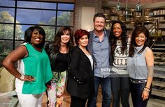Country music superstar Blake Shelton discusses co-hosting the 49th Annual Academy of Country Music Awards on THE TALK, Thursday, April 3, 2014 on the CBS Television Network. From left, Sheryl Underwood, Marie Osmond, Sharon Osbourne, Blake Shelton, Aisha Tyler and Julie Chen