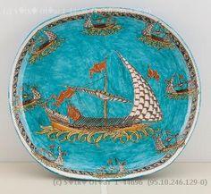 Çini Ustası Sıtkı Olçar Turkish Tiles, Turkish Art, Ceramic Plates, Ceramic Pottery, Famous Ceramic Artists, Islamic Tiles, Tile Art, Chinoiserie, Traditional Art