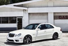 W211 Mercedes E63 AMG