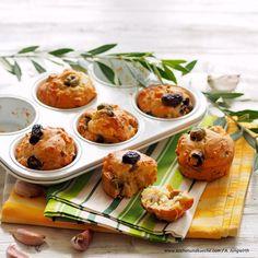 Olivenmuffins mit Ziegenkäse und Rosmarin Muffins, Potato Salad, Yummy Food, Snacks, Breakfast, Ethnic Recipes, People, Cheese Recipes, Muffin Recipes