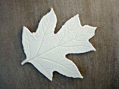 Déco intérieure: feuille en porcelaine blanche, empreinte de feuille, porcelaine brute 23€