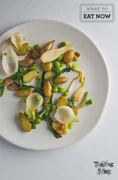 Spring onions with peas and guanciale