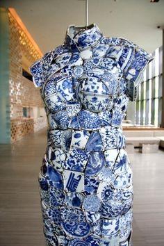 porcelain qi-pao - Li Xiao Feng