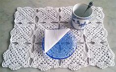Ihan oma virkkuumalli tablettina. My very own crochet, placemat.