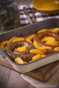 Hungarian home-made sausages Hungarian Cuisine, Hungarian Recipes, Hungarian Food, Cookbook Recipes, New Recipes, Cooking Recipes, Home Made Sausage, How To Make Sausage, Making Sausage