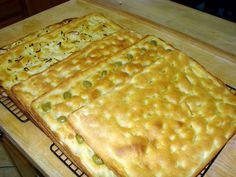 Video Recipe Genoese Focaccia Bread - SimpleBaker - Pro Recipes Made at Home Focaccia Pizza, Focaccia Recipe, Calzone, Pastry Recipes, Pizza Recipes, Cooking Recipes, Scd Recipes, Recipes Dinner, Bread Recipes