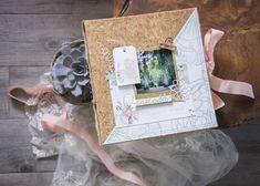 10 ans d'amour...et un mini album pour les Jolies Créations... Pochette Cd, Mini Albums Scrapbook, Tampons Transparents, Photos Originales, Le Jolie, Kit, Decorative Boxes, Frame, Inspiration