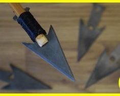 Arrowheads made from an old Saw Blade with Basic Tools Zombie Weapons, Survival Weapons, Tactical Survival, Survival Tools, Survival Knife, Survival Prepping, Crossbow Arrows, Crossbow Hunting, Homemade Weapons