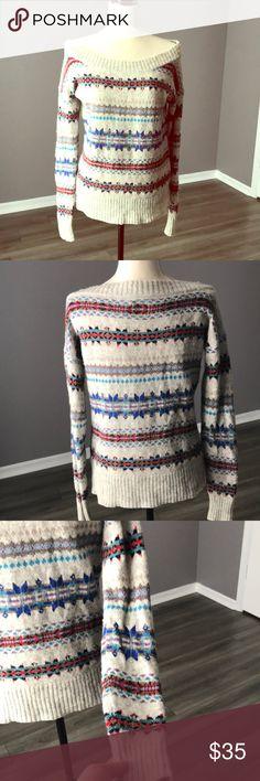 American Eagle Sweater, Size M, EUC American Eagle sweater, grey with winter design. Size Medium, EUC. American Eagle Outfitters Sweaters Crew & Scoop Necks