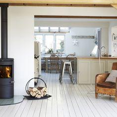 Beautiful country kitchen via countrydays blog - Morsø 7642 stove