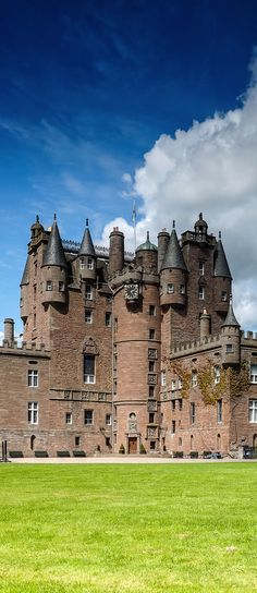 Glamis Castle ~ Scotland, UK A stunning medieval fortification set in the beautiful Scottish countryside, Glamis Castle has a fascinating history as well as a strong connection to the British royal family.