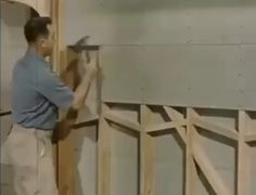 Watching an old school drywaller. Programmer Humor, Drywall, Life Organization, Home Repair, Cool Tools, Best Funny Pictures, Amazing Pictures, Pretty Cool, Old School