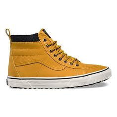 The Sk8-Hi MTE revamps the legendary Vans high top with weatherized additions designed for the elements. Premium Scotchgard®-treated leather uppers, warm linings, and a heat retention layer between sockliner and outsole keep feet warm and dry while the newly-constructed vulcanized lug outsole takes advantage of 20 years of snow boot history for maximum traction. The Sk8-Hi MTE also features re-enforced toecaps to withstand repeated wear, signature waffle rubber outsoles, and padded collar…