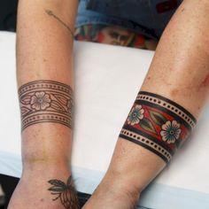 15 Super Ideas tattoo for men on arm bands tatoo Arm Band Tattoo For Women, Black Band Tattoo, Band Tattoos For Men, Tribal Band Tattoo, Cool Tattoos For Guys, Sleeve Tattoos For Women, Mens Tattoos, Pretty Tattoos, Arm Cuff Tattoo