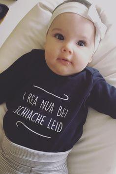 Witziger Spruch für alle Babys und Eltern mit Humor. Das perfekte Geschenk zur Geburt oder Babyparty. Babys, Quotations, Haha, Wisdom, Humor, Future, Memes, Funny, T Shirt