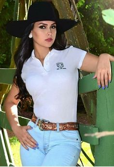 Love from Mark Shavick Cute Country Girl, Looks Country, Country Women, Sexy Cowgirl Outfits, Country Girls Outfits, Cute Outfits, Vaquera Sexy, Estilo Cowgirl, Rodeo Girls