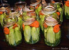 Ogórki po żydowsku na zimę - przepis ze Smaker.pl Calzone, Celery, Pickles, Cucumber, Vegetables, Easy, Food, Pizza, Places