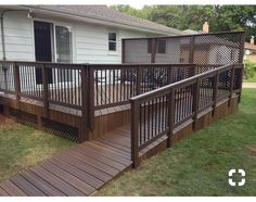 Find out here unraveled screened porch design Porch With Ramp, Front Porch Deck, House With Porch, Front Stairs, Pallet Patio Decks, Patio Deck Designs, Porch Kits, Porch Ideas, Patio Ideas