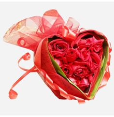 Send Beautiful Heat Box Flowers to your loved one in Pakistan on this Valentine