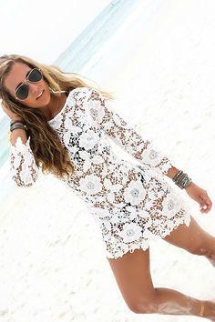 2015 moda de nova mulheres maiô Sexy Lace Crochet biquini Cover Up Beach Dress em Saídas de Praia de Roupas e Acessórios