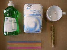 Seifenblasen selber machen: Anleitung für Pustestab und Seifenlauge