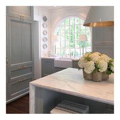 "1,665 Likes, 30 Comments - Sarah Bartholomew (@sarahbartholomewdesign) on Instagram: ""Adore @matthewquinndesign and @laurendeloachinteriors' elegant kitchen at the…"""