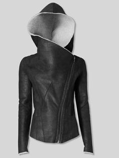 (Helmut Lang - Weathered Shearling Jacket) I like how chic this hooded leather jacket looks. Looks Style, Style Me, Look Fashion, Womens Fashion, Unique Fashion, Trendy Fashion, Mode Top, Shearling Jacket, Mode Outfits
