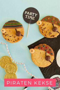 Rezept Piratenkekse für den Kindergeburtstag – Pin für Pinterest American Cheesecake, Family Birthdays, Host A Party, Gingerbread Cookies, Kids Meals, Party Time, Pirates, Yummy Food, Sweet