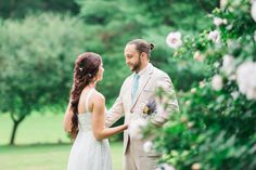 Outdoor Weddings: Molly & JT | Private Residence, TN - http://www.diyweddingsmag.com/outdoor-weddings-molly-jt-private-residence-tn/