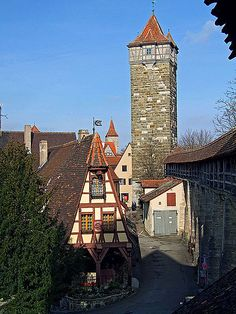 Rothenburg- der alte Schmede. I walked around that wall for the best part of a day :) so beautiful!! (I stayed at Pensione Becker)
