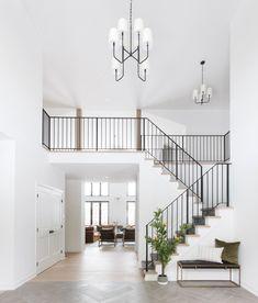 Metal Stair Railing, Stair Railing Design, Home Stairs Design, Stair Decor, Interior Stairs, Dream Home Design, Modern Railings For Stairs, Black Railing, Railing Ideas