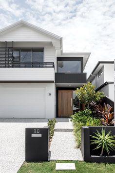 Kalka Facade - Luxury Home Builders Brisbane Dream House Exterior, Exterior House Colors, Exterior Design, Exterior Stairs, Wall Exterior, Black Exterior, Exterior Cladding, Facade Design, Style At Home