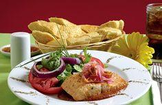 Salmon Pibil en A mi manera http://www.queremoscomer.com/restaurantes/comida-mexicana/centro/a-mi-manera/?utm_content=bufferfc6f0&utm_medium=social&utm_source=pinterest.com&utm_campaign=buffer Centro #DF