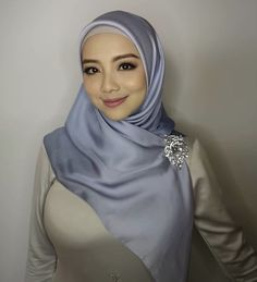Beautiful Hijab Girl, Beautiful Muslim Women, Arab Girls Hijab, Muslim Girls, Hijabi Girl, Girl Hijab, Moslem, Muslim Women Fashion, Muslim Beauty